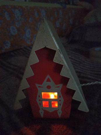 Продам под елку мигающий домик