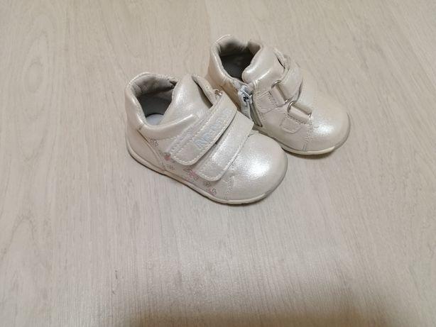 Обувь детская. Ботиночки для девочки