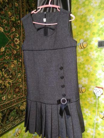 Школьный сарафан,платье