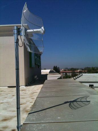 Продам мощную наружную антенну AirGrid M5 27dBi HP (можно без PoE)