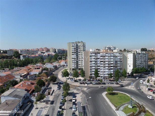 Apartamento T2 no centro de Alfornelos