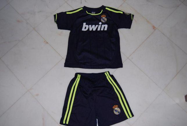 Equipamento Real Madrid 4 anos