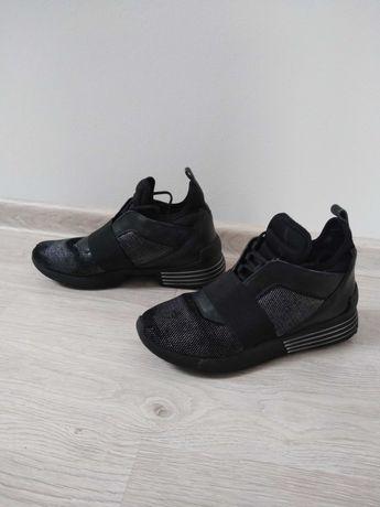 Sneakersy damskie Kendall & Kylie 40