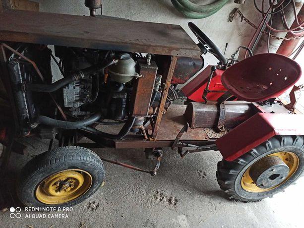 Traktorek Dzik 21 SAM