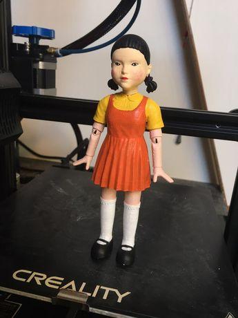 Кукла из первой игры в сериале игра в кальмара, грав в кальмара маска