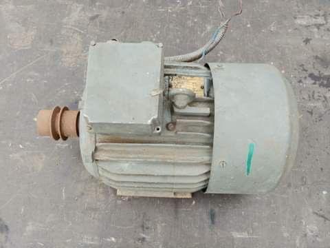 Silnik elektryczny 380V/2.2kW/710 obrotów
