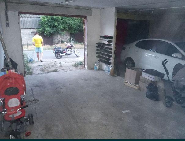 Продам гараж бокс 6*7 42 м² с документами
