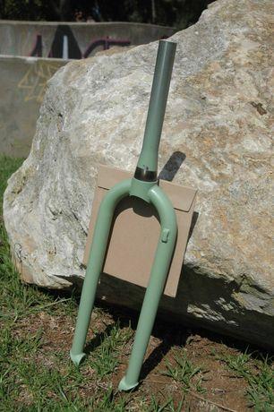 Forquilha rigída gravel mtb 26, 27,5, 28 Cromoly