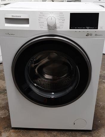 Máquina de lavar roupa blomberg nova