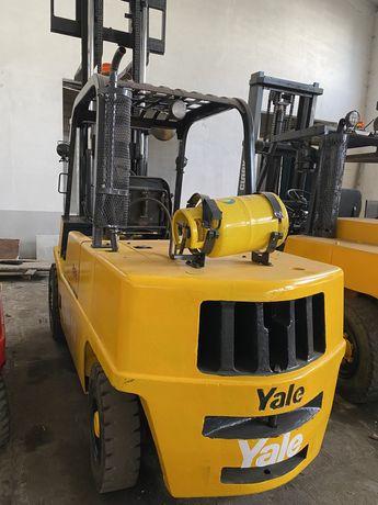 Empilhador YALE 5000 kgrs gas