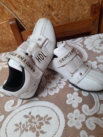 Vendo sapatos usados em Bom estado