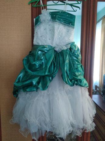 Нарядные платья на 6-9лет
