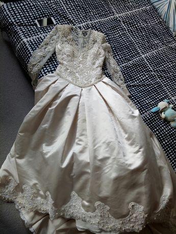 Bajecznie piękna suknia ślubna s