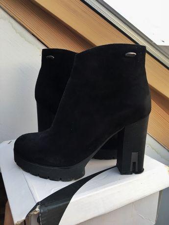 Чобітки, чорне екозамшеве взуття, осінні/весняні черевики