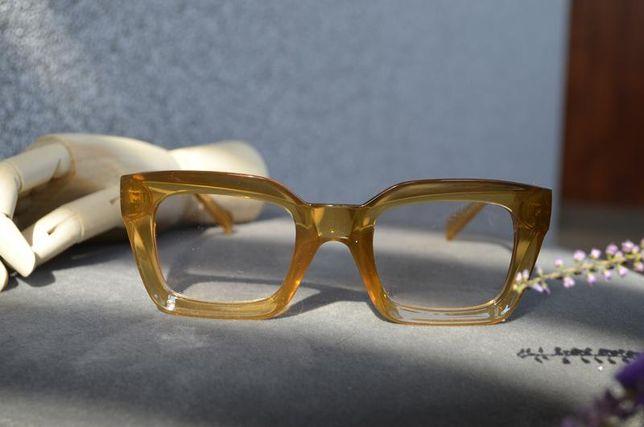 Очки для имиджа в оранжевой оправе
