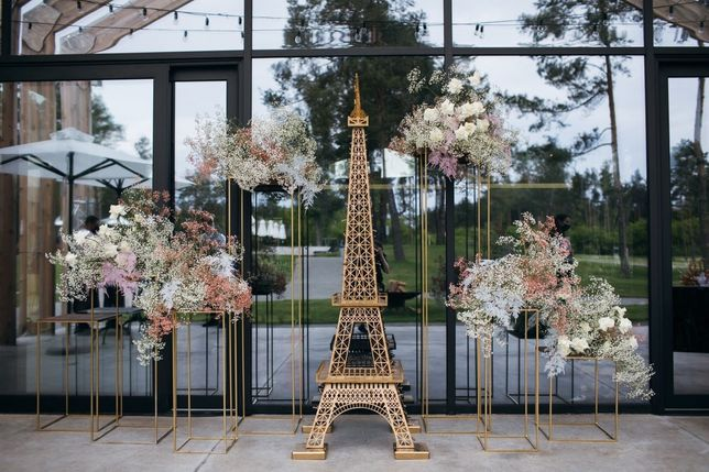 Эйфелева башня 2000грн фотозона на СВАДЬБУ прокат LOVE выпуск АРЕНДА