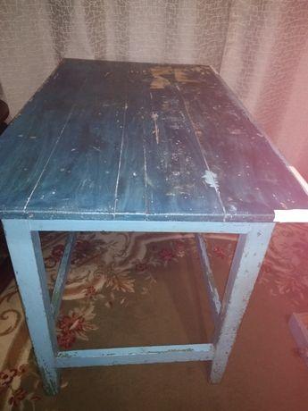 Срочно продам кухонный стол.