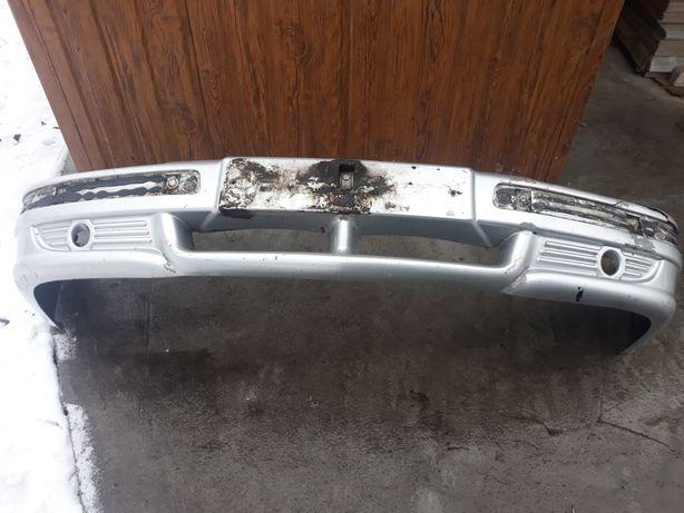 Бампер передній газ 31105