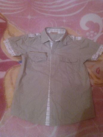Бавовняна сорочка кольору хакі на школяра.