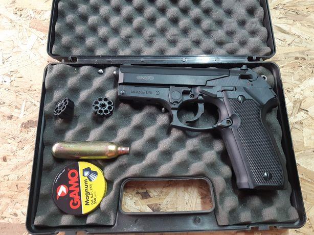 Pistola de tiro ao alvo com gás comprimido