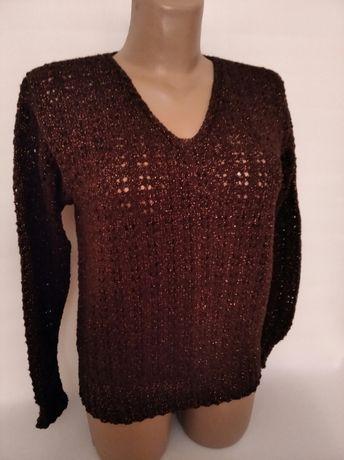 Пуловер женский .