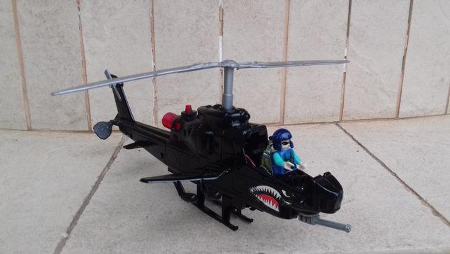 Модель вертолета в хорошем состоянии