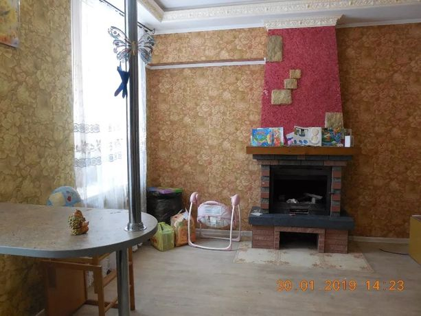 Продам трёхкомнатную квартиру с евро-ремонтом, пл. 70 кв. м.г.Снежное
