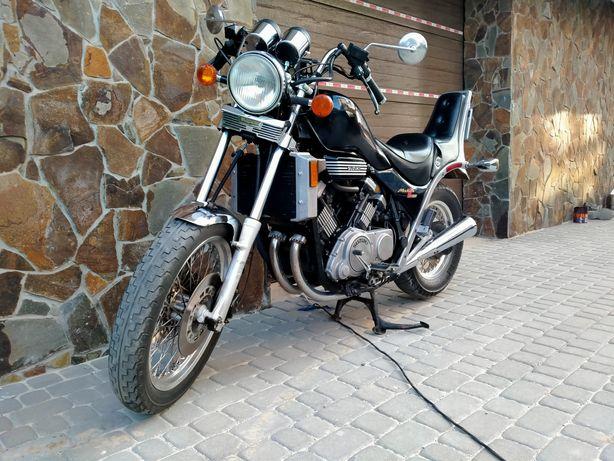 Suzuki Madura 700