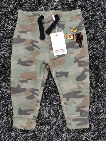 Spodnie dresowe dresy baggy spodenki długie 74/80 moro joggery