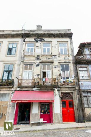 Prédio p/ Reconstrução na Baixa do Porto