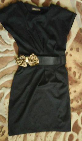 Офисное платье сарафан на девушку