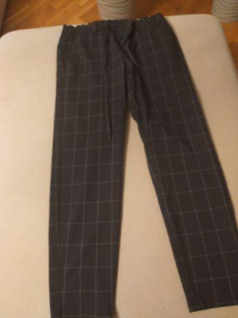 Spodnie  pull & bear  rozmiar 38