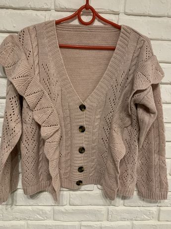 Sweter z falbankami