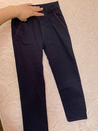 Брюки штаны джинсы