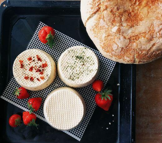 Ser podpuszczkowy - naturalne składniki! Chleb wiejski na zakwasie.