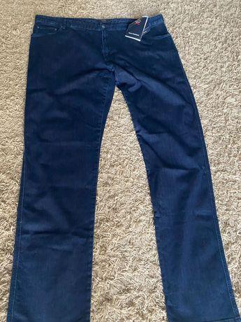 Продаются итальянские джинсы 62 размера