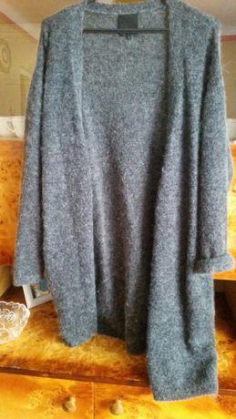 Szary długi sweter z kieszeniami r.36/38