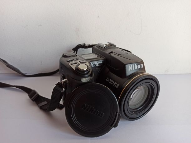 Câmera/ Máquina fotográfica digital Nikon CoolPix 5700