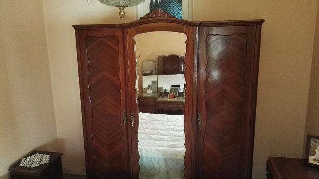 Mobília de quarto de casal estilo Queen Anne