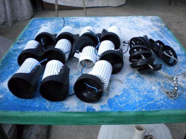 Vendo suportes especiais dobráveis como novos de lâmpadas