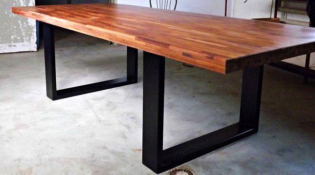 Stół drewniany duży dł 254 cm Szerokość: 112 cm Wysokość: 76 cm.