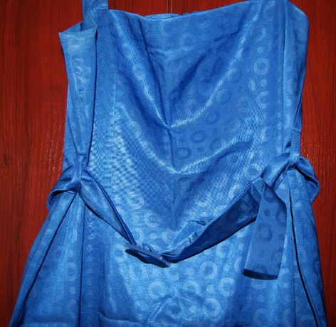 Sukienka niebieska w grochy Rozm. 44