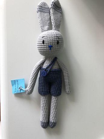 Вязаная игрушка заяц зайчик вязаный