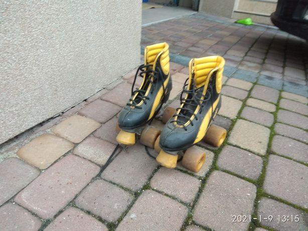 Wrotki, buty skórzane rozmiar ok 40