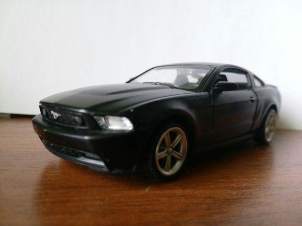 Модель Ford mustang GT