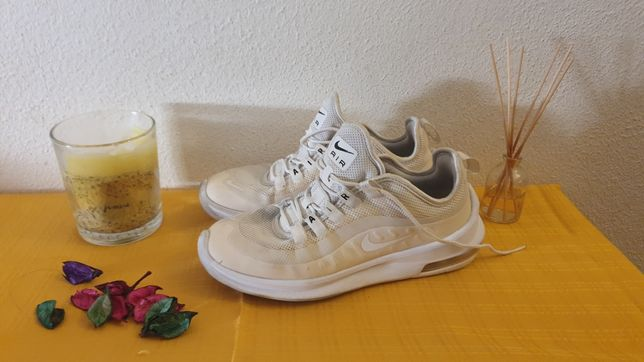 Sapatilhas tenis 37.5 nike air max brancas e bege originais