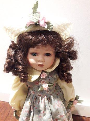 Boneca menina de porcelana