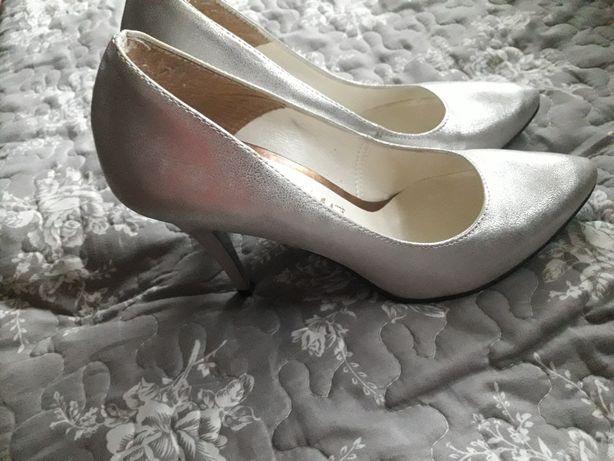 Buty damskie srebrne