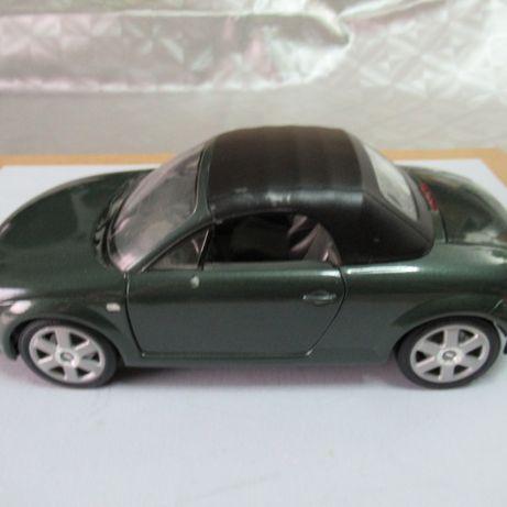 Audi TT em metal da Revell 1999 escala 1:18 usado