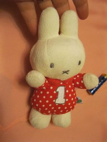 игрушка мягкая ПОГРЕМУШКА фирменная заяц белый горох 18см ЗАЙКА ЗАЙЧИК